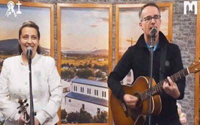 音樂: Emmanuel (Melinda & Roland)