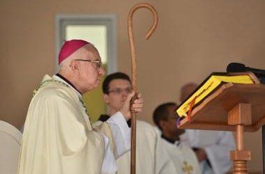 默主哥耶 Luigi Pezzuto 总主教带领诵念玫瑰经及主持弥撒圣祭:我们拥有和平,因为耶稣与我们同在